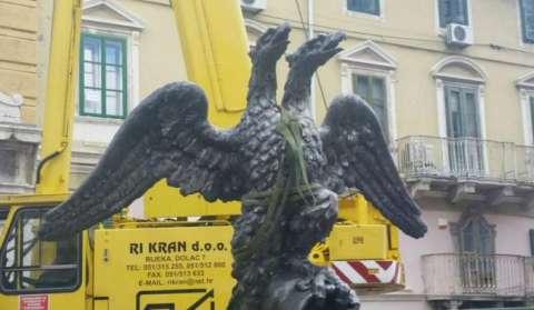 Postavljanje dvoglavog riječkog orla na Gradski toranj 2017